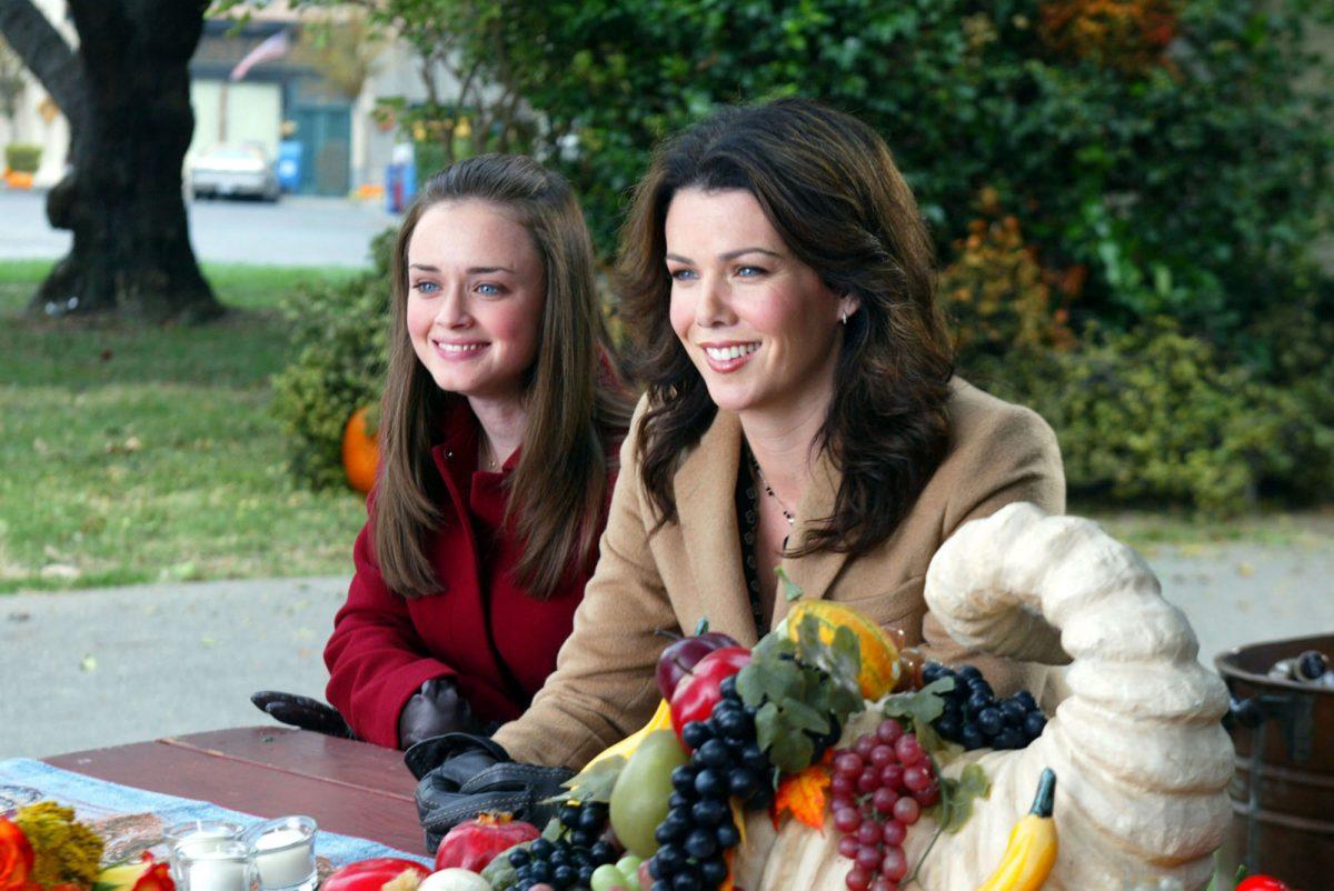 Alexis Bledel as Rory Gilmore, Lauren Graham as Lorelai Gilmore in 'Gilmore Girls'
