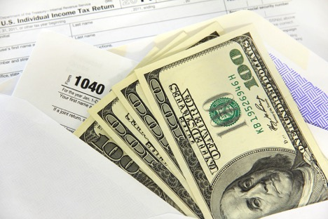 paying debt with tax refund width